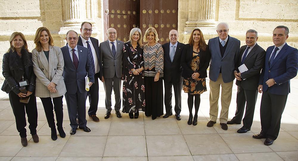 Imagen 2_Galardonados, autoridades e invitados de los Premios Daza de Valdés 2017_